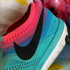 Nike focus flyknit sneakers size 11.5